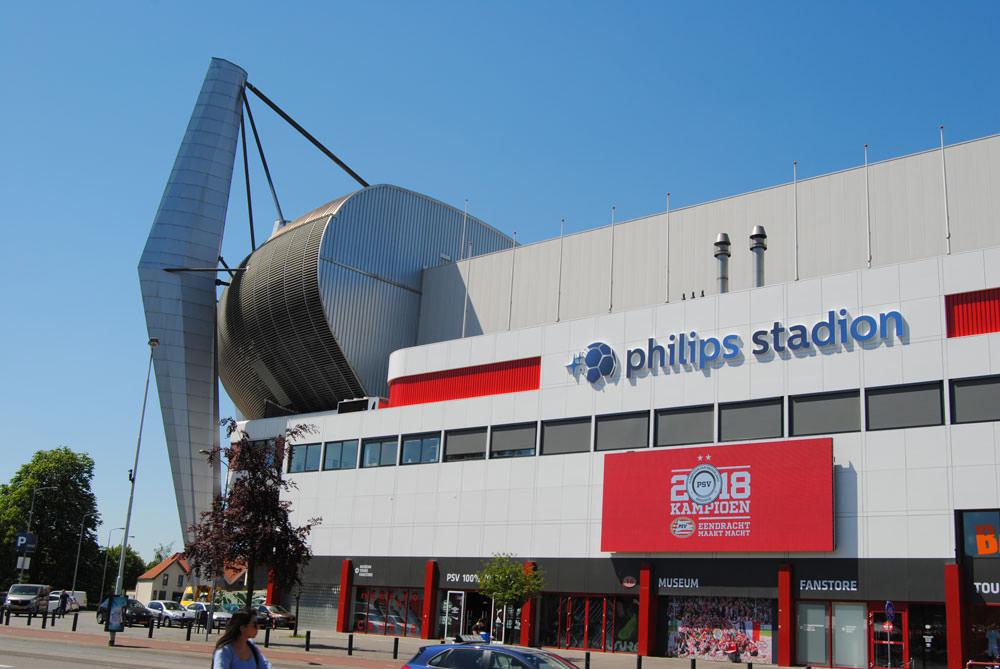 Philips stadion: Onderhoud schilderwerk